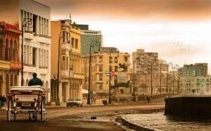Discover Cuba 8 day tour street