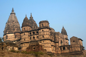 chaturbhuj temple Deserts Palaces Ganges tour 13 Days