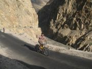 Cycle Pakistan Kyrgzstan China canyon