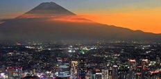 Mt_Fuji_and_Yokohama_city_in_twilight