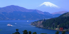 Ashino_lake_and_Mtfuji_in_winter