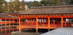 Itsukushima_Shrine_at_Miyajima