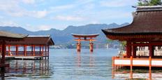 itsukusima_shrine_miyajima_gate