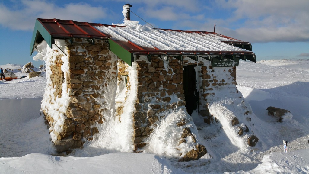 Snow shoe kosciuszko Seamans hut
