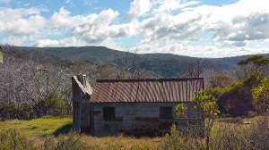 Round mountain Hut